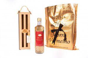 Cachaça Presente Madeira 700ml Ouro
