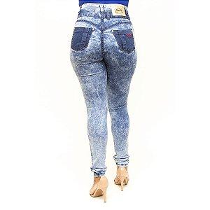 Calça Jeans Feminina Cintura Alta Hot Pants com Lavagem Manchada Cheris