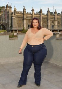 Calça Jeans Ane Plus Size Flare Cristyn Azul