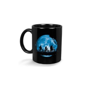 Caneca Stranger Things Moon
