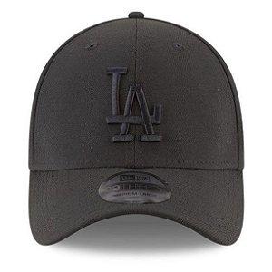 Boné New Era 39Thirty Los Angeles Dodgers Blackout Aba Curva