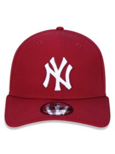 Boné New Era 9Forty New York Yankees Bordo Snapback Aba Curva