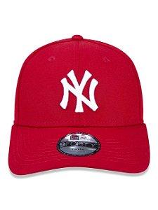 Boné New Era 9Fifty Youth MLB NY Yankees Scarlet Ajustável