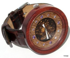 Relógio de Madeira Conduru com Ametista