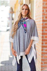 poncho de tricô cinza e branco Coleteria