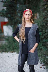 colete alongado de tricô com bolso cinza Coleteria