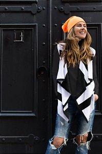 colete multifuncional de tricô estampado branco e preto Coleteria