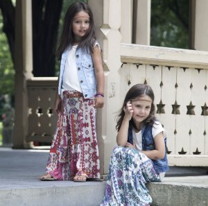 colete jeans infantil destroyed | lily&rose claro | coleteria in the city