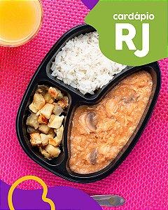 RJ | AC - Estrogonofe de frango, arroz e batata doce