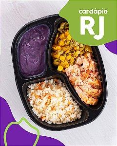 RJ | AC - Salmão assado, arroz branco, purê de batata doce e legumes