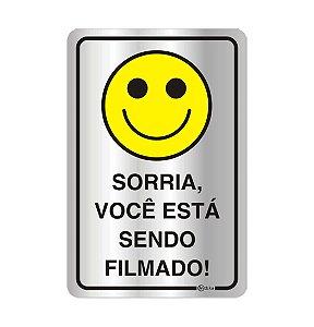 Placa em Aluminio Sorria você está Sendo Filmado
