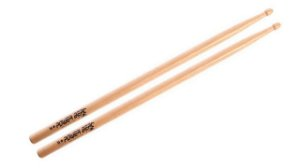 Los Cabos Power Beat Par de Baquetas 5A Red Hickory LCDPB5ARH