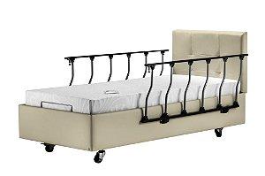 Cama Hospitalar Residencial Motorizada Firenzi + Colchão Articulado 110kg + Grades laterais + Cabeceira courino