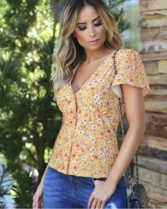 Blusa Floral Decote V - Botões