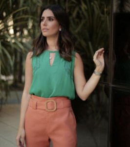 Blusa Crepe Detalhe Renda - Samantha