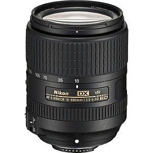 Lente Nikon AF-S DX NIKKOR 18-300mm f/3.5-6.3G ED VR + Parasol Nikon HB-39
