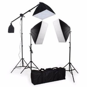 KIT ILUMINACAO PK-SB03 220V 1 GIRAFA+2 TRIPES 2MT+8LAMPADAS 45W+1 LAMPADA135W+2SOFTBOX50X70+1SOFTBOX40X40+1BOLSA