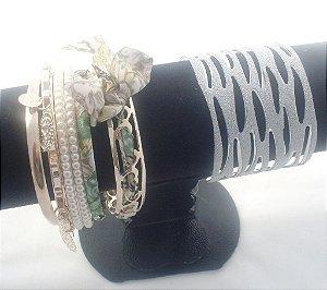 Kit Pulseiras coloridas com pingente e bracelete brilhante