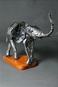 Escultura  Elefante em aço inox e solda