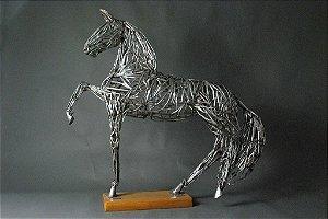 Escultura Cavalo vazado  grande em aço inox e solda