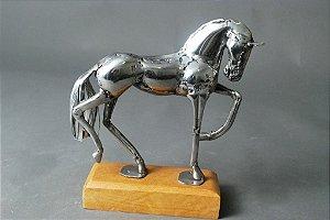 Escultura Cavalo em solda e aço inox