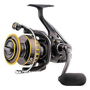 Molinete de Pesca Daiwa New BG-2500 Drag 13lbs 7 Rolamentos