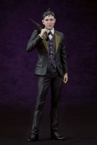"Oswald ""Penguin"" Cobblepot Gotham ARTFX+ 1/10 Kotobukiya Original"