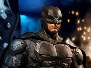 Batman Traje Tático Liga da Justiça One:12 Collective Mezco Toyz Original