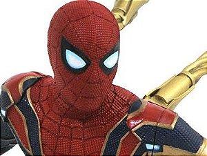 Aranha de Ferro Vingadores Guerra Infinita Marvel Gallery Diamond Select Toys Original