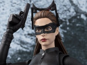 Mulher Gato Batman O cavaleiro das trevas ressurge S.H. FIguarts Bandai Original
