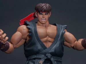 Evil Ryu Street Fighter II Ultra Storm Collectibles Original