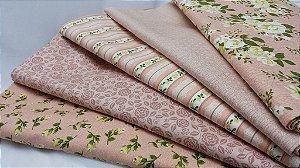 Composê Quinteto Floral. Kit com 05 tecidos nacionais em Fat Quarter (50x75cm)