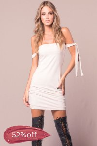 Vestido Private Party Off-White