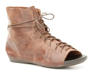 Sandália fechada feminina em couro Wuell Casual Shoes - Ouro Preto - VC 88010 - telha
