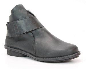 Bota Feminina cano curto em couro Wuell Casual Shoes - RO 2351 - preta