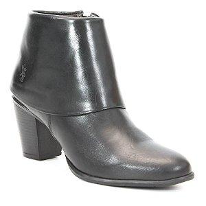 Bota de Salto Feminina em Couro Wuell Casual Shoes - SR - 5206 - preta