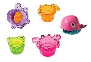 4 Potes e Baleia no Banho