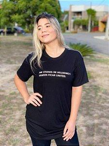 Camiseta ME CHAMA DE HILLSONG E VAMOS FICAR UNITED (UNISSEX) PRETA