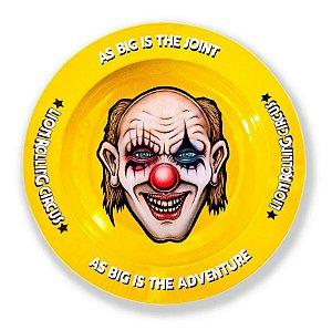 Cinzeiro Lion Rolling Circus Edgar Allan