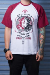 "Camiseta ""Wanted"" Branco com Bordo"