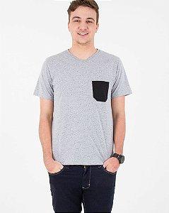 Camiseta Mescla Detalhada com Bolso Preto