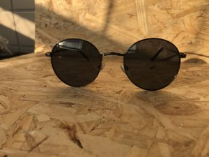 Round Black polarized