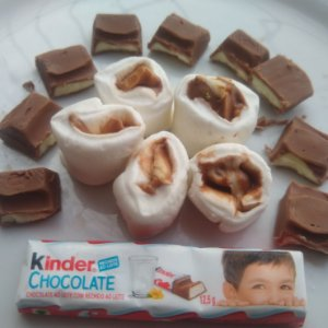 Tradicional com recheio de Kinder de chocolate ao leite