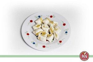 Tradicional com recheio de coco fresco docinho de coco beijinho