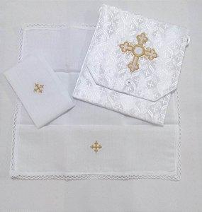 Kit Viático ou kit ministro para levar a Santa Eucaristia para enfermos bordado cruz com hóstia em linho