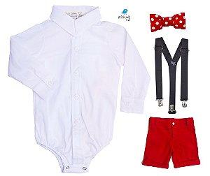 Conjunto - Camisa Branca e Bermuda Vermelha (quatro peças)