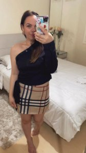 Camisa Feminina Beli | Um ombro - Adulta / Preta
