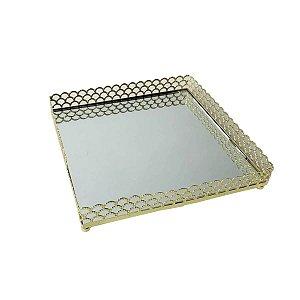 Bandeja de Metal Quadrada Arch Border Dourada 16,5 cm