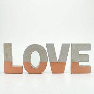 Palavra em Cimento e Cobre LOVE
