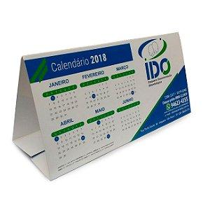 Calendário de mesa 10x15 cm ou 10x20 cm em papel cartão 300g e verniz UV total